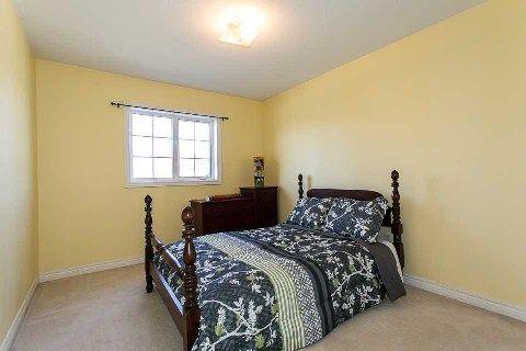Photo 4: Photos: 19 Duggan Avenue in Whitby: Brooklin House (2-Storey) for sale : MLS®# E2889335