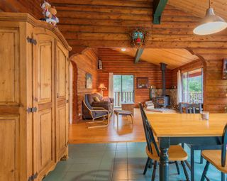 "Photo 6: 7934 SOUTHWOOD Road in Halfmoon Bay: Halfmn Bay Secret Cv Redroofs House for sale in ""Welcome Woods"" (Sunshine Coast)  : MLS®# R2349359"