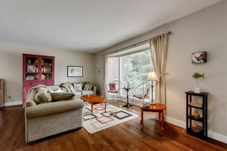 Photo 4: 7 WOODGREEN Crescent SW in Calgary: Woodlands Detached for sale : MLS®# C4245286