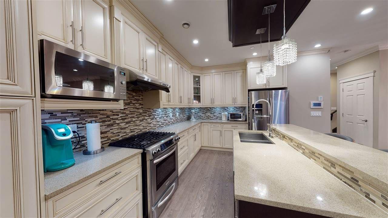 Photo 10: Photos: 3365 NAPIER Street in Vancouver: Renfrew VE House for sale (Vancouver East)  : MLS®# R2534997