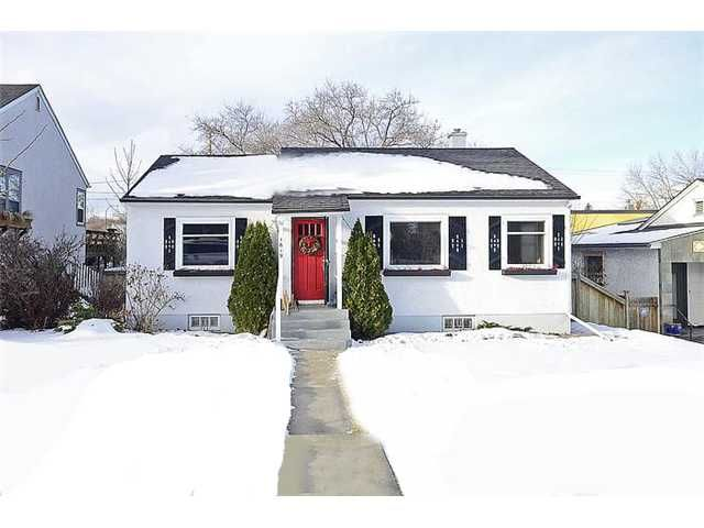 Main Photo: 1619 SUMMIT Street SW in CALGARY: Scarboro Residential Detached Single Family for sale (Calgary)  : MLS®# C3593573