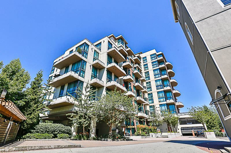 """Main Photo: 324 10 RENAISSANCE Square in New Westminster: Quay Condo for sale in """"MURANO LOFTS"""" : MLS®# R2186275"""