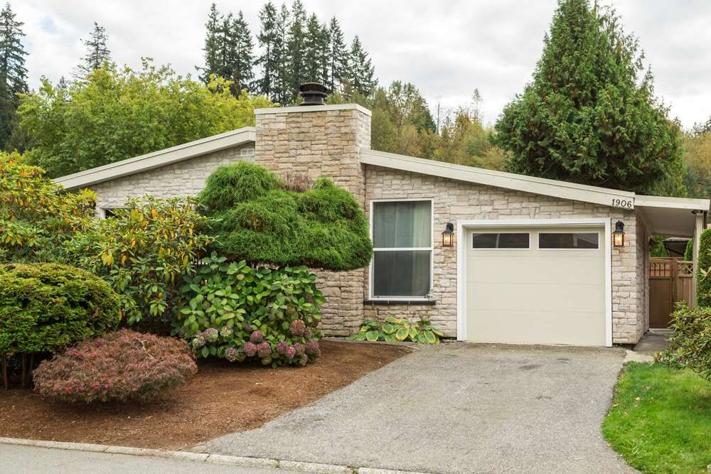 """Main Photo: 1906 PARKLAND Drive in Coquitlam: River Springs House for sale in """"RIVER SPRINGS"""" : MLS®# R2140004"""