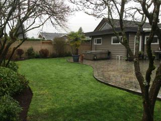 """Photo 3: 1271 PINEWOOD Crescent in North Vancouver: Norgate House for sale in """"Norgate"""" : MLS®# R2034818"""