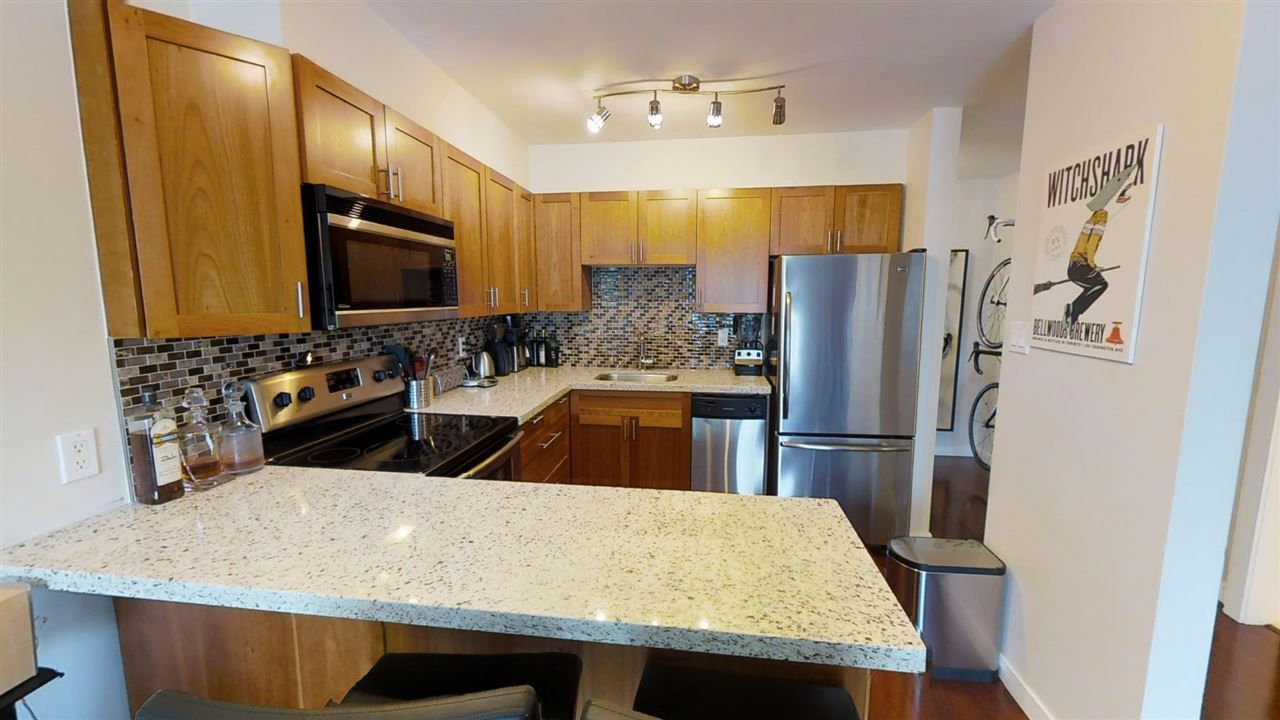 "Main Photo: 324 711 E 6TH Avenue in Vancouver: Mount Pleasant VE Condo for sale in ""PICASSO"" (Vancouver East)  : MLS®# R2184564"