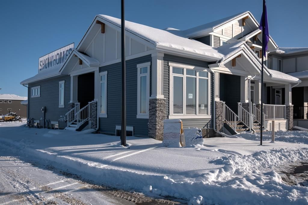 Main Photo: 108 Creekside Drive SW in Calgary: C-168 Semi Detached for sale : MLS®# A1062823