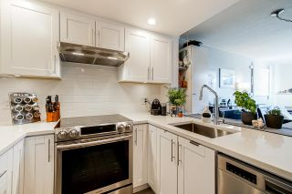 "Photo 10: 319 2255 WEST 4TH Avenue in Vancouver: Kitsilano Condo for sale in ""Capers Building"" (Vancouver West)  : MLS®# R2469536"