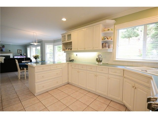 """Photo 5: Photos: 1648 SPYGLASS Crescent in Tsawwassen: Cliff Drive House for sale in """"Imperial Village"""" : MLS®# V1114197"""