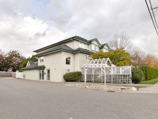"Photo 3: 211 19953 55A Avenue in Langley: Langley City Condo for sale in ""BAYSIDE COURT"" : MLS®# R2509114"