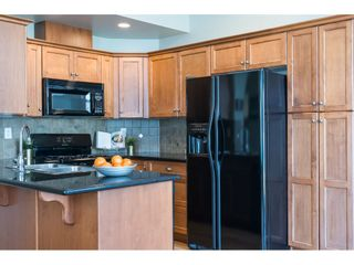 """Photo 9: 6968 179A Street in Surrey: Cloverdale BC Condo for sale in """"The Terraces"""" (Cloverdale)  : MLS®# R2364563"""