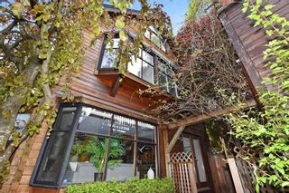 Photo 1: 2648 W 5TH Avenue in Vancouver: Kitsilano 1/2 Duplex for sale (Vancouver West)  : MLS®# R2165629