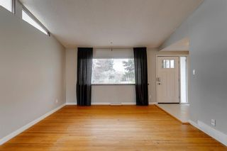 Photo 5: 380 Alcott Crescent SE in Calgary: Acadia Detached for sale : MLS®# A1130065