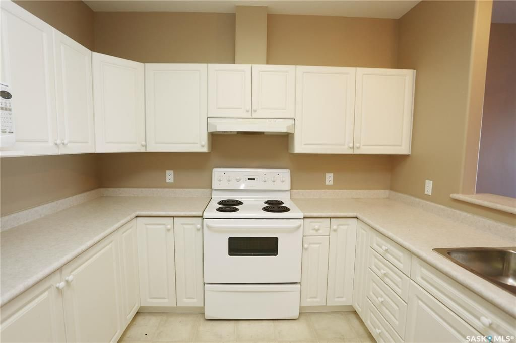 Photo 7: Photos: 204 302 Nelson Road in Saskatoon: University Heights Residential for sale : MLS®# SK800364