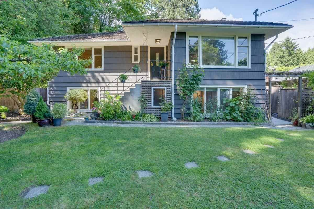 Main Photo: 2778 DOLLARTON Highway in North Vancouver: Windsor Park NV House for sale : MLS®# R2586372