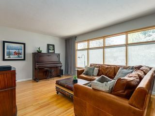 Photo 4: 156 CHEROVAN Drive SW in Calgary: Chinook Park Detached for sale : MLS®# C4306207