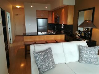 """Photo 4: The Sterling: 1806 1050 SMITHE STREET in West End - Vancouver: Number of Units: 129 Condo for sale in """"THE STERLING"""" (Vancouver West)  : MLS®# R2293269"""