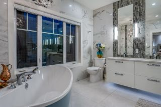 """Photo 23: 898 W 24 Avenue in Vancouver: Cambie House for sale in """"THE LAUREL"""" (Vancouver West)  : MLS®# R2547961"""