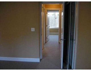 """Photo 8: 20 5330 BROADWAY BB in Burnaby: Parkcrest Townhouse for sale in """"CREEKSIDE MANOR"""" (Burnaby North)  : MLS®# V643083"""