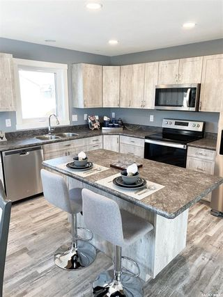 Photo 16: 302 Willow Place in Outlook: Residential for sale : MLS®# SK838188