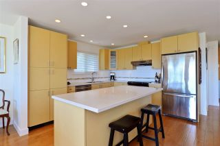 Photo 4: 1215 PARKER Street: White Rock House for sale (South Surrey White Rock)  : MLS®# R2097862