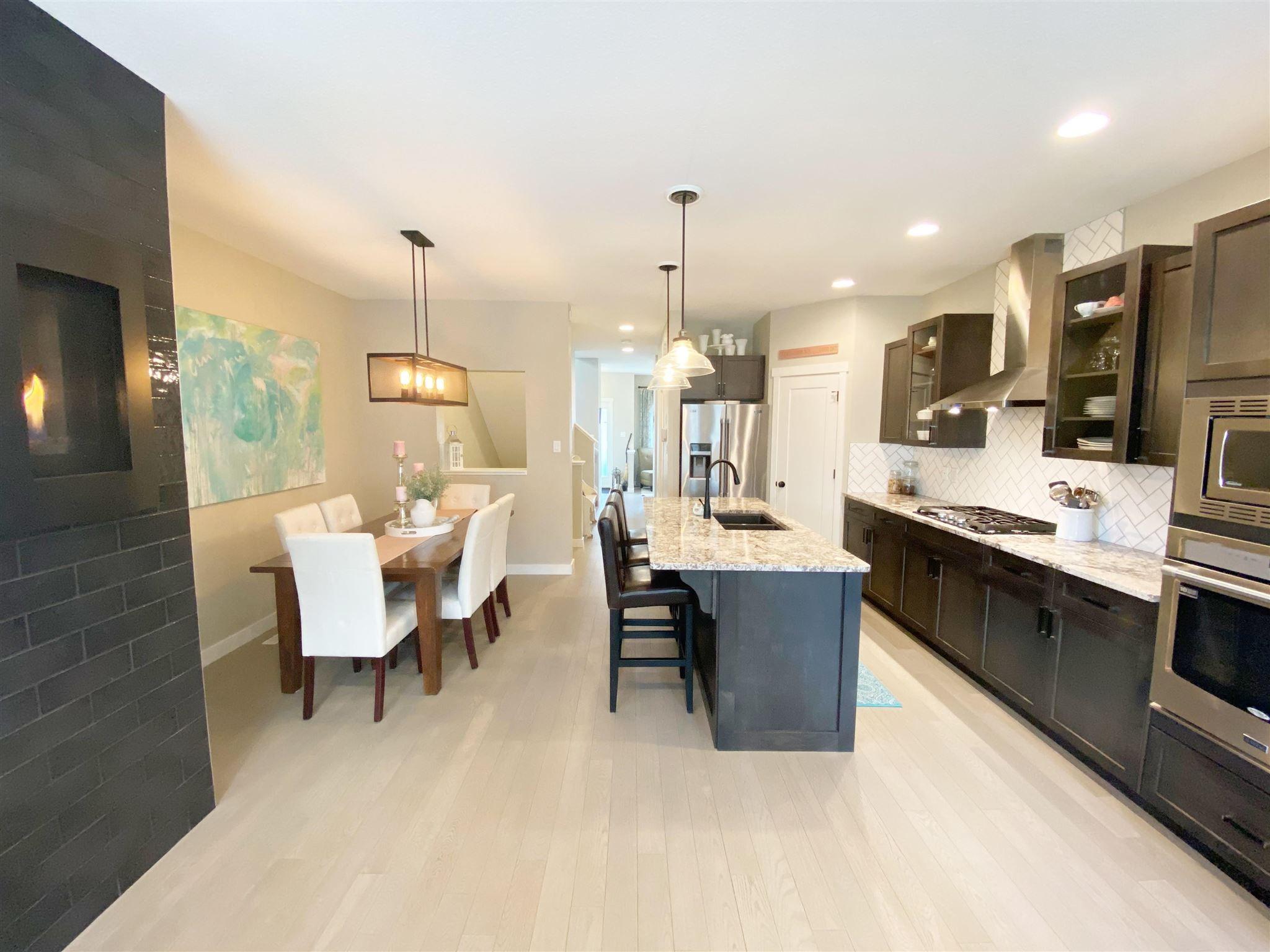 Main Photo: 9349 74 Avenue in Edmonton: Zone 17 House for sale : MLS®# E4246636
