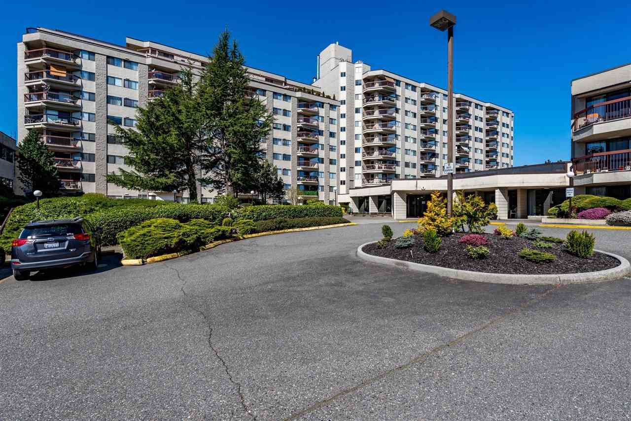 Main Photo: 318 31955 W OLD YALE Road: Condo for sale in Abbotsford: MLS®# R2592648