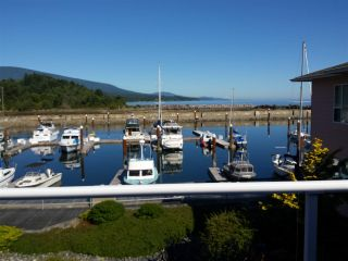 Photo 2: 207 1585 FIELD Road in Sechelt: Sechelt District Condo for sale (Sunshine Coast)  : MLS®# R2471792