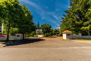 """Photo 27: 301 1785 MARTIN Drive in Surrey: Sunnyside Park Surrey Condo for sale in """"Southwynd"""" (South Surrey White Rock)  : MLS®# R2185400"""