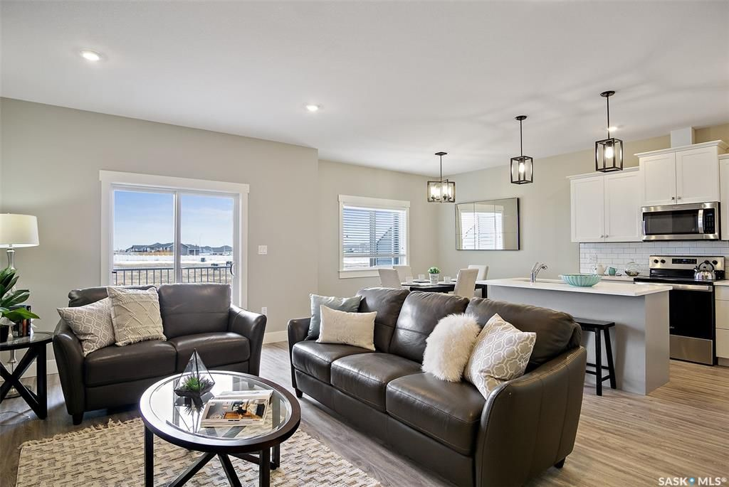 Main Photo: 145 3220 11th Street West in Saskatoon: Montgomery Place Residential for sale : MLS®# SK860278