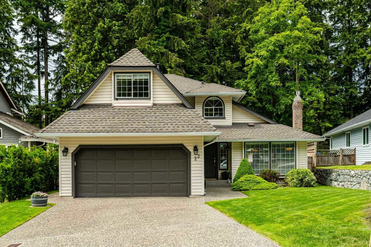 Main Photo: 23 FLAVELLE Drive in Port Moody: Barber Street House for sale : MLS®# R2599334