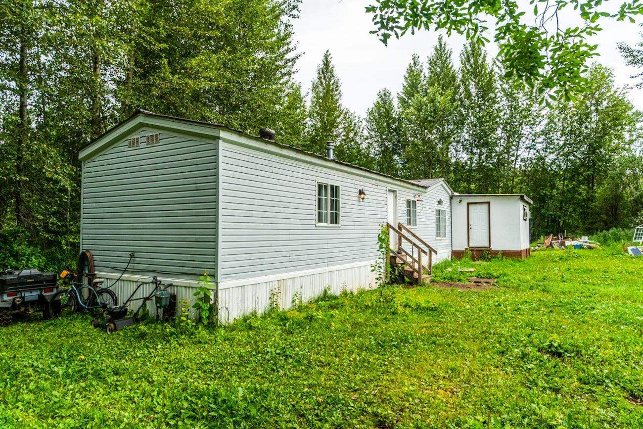 Main Photo: 1292 GOOSE COUNTRY Road in Prince George: Old Summit Lake Road Manufactured Home for sale (PG City North (Zone 73))  : MLS®# R2604464