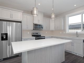 Photo 2: 32 SKYVIEW Parade NE in Calgary: Skyview Ranch Row/Townhouse for sale : MLS®# C4289138