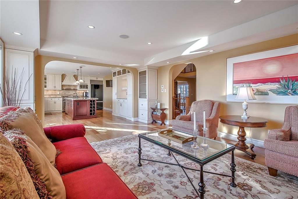 Photo 9: Photos: 153 SIGNATURE Close SW in Calgary: Signal Hill Detached for sale : MLS®# C4283177