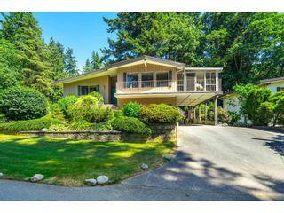 """Photo 3: 5664 FAIRLIGHT Crescent in Delta: Sunshine Hills Woods House for sale in """"SUNSHINE HILLS WOODS"""" (N. Delta)  : MLS®# R2597313"""