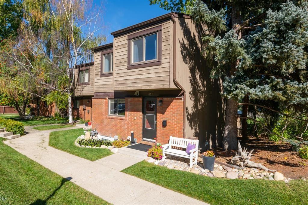 Main Photo: 601 9803 24 Street SW in Calgary: Oakridge Row/Townhouse for sale : MLS®# A1146104