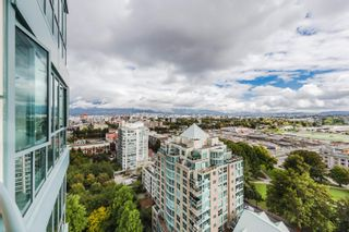 """Photo 2: 2004 1188 QUEBEC Street in Vancouver: Downtown VE Condo for sale in """"City Gate One"""" (Vancouver East)  : MLS®# R2622505"""