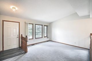 Photo 2: 52 Shawnee Way SW in Calgary: Shawnee Slopes Detached for sale : MLS®# A1117428