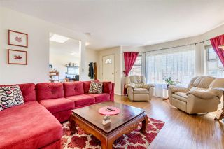 Photo 2: 1267 FINLAY Street: White Rock House for sale (South Surrey White Rock)  : MLS®# R2516931