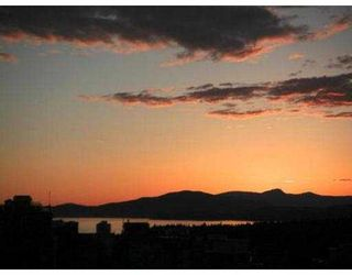 """Photo 5: 3205 1111 W PENDER ST in Vancouver: Coal Harbour Condo for sale in """"VANTAGE"""" (Vancouver West)  : MLS®# V547687"""