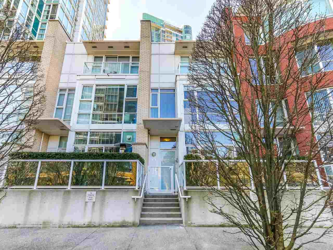 Main Photo: 188 BOATHOUSE MEWS in Vancouver: Yaletown Townhouse for sale (Vancouver West)  : MLS®# R2048357
