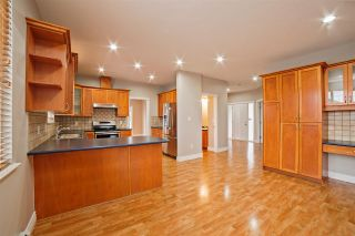 """Photo 8: 33834 GREWALL Crescent in Mission: Mission BC House for sale in """"College Heights"""" : MLS®# R2256686"""