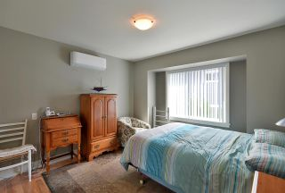 "Photo 9: 19 728 GIBSONS Way in Gibsons: Gibsons & Area Condo for sale in ""Islandview Lanes"" (Sunshine Coast)  : MLS®# R2529142"