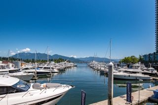 Photo 3: 1806 588 BROUGHTON Street in Vancouver: Coal Harbour Condo for sale (Vancouver West)  : MLS®# R2625007