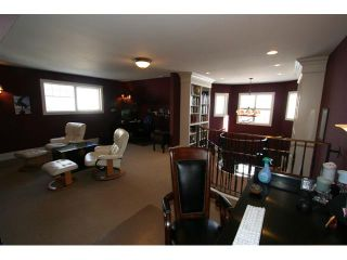 Photo 13: 19 DISCOVERY Drive SW in CALGARY: Discovery Ridge Residential Detached Single Family for sale (Calgary)  : MLS®# C3511926