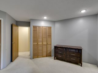 """Photo 14: 111 2320 W 40TH Avenue in Vancouver: Kerrisdale Condo for sale in """"Manor Gardens"""" (Vancouver West)  : MLS®# R2546363"""