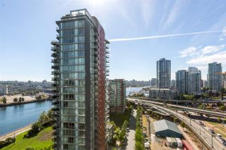 """Photo 2: 1805 33 SMITHE Street in Vancouver: Yaletown Condo for sale in """"COOPERS LOOKOUT"""" (Vancouver West)  : MLS®# R2205849"""