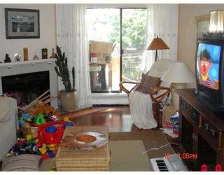 """Photo 2: 2214 13819 100TH Avenue in Surrey: Whalley Condo for sale in """"CARRIAGE LANE"""" (North Surrey)  : MLS®# F2723880"""