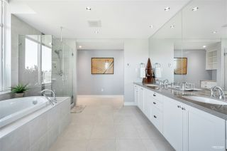"""Photo 17: 1102 14824 NORTH BLUFF Road: White Rock Condo for sale in """"BELAIRE"""" (South Surrey White Rock)  : MLS®# R2604497"""