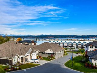 Photo 3: 301 2777 North Beach Dr in CAMPBELL RIVER: CR Campbell River North Condo for sale (Campbell River)  : MLS®# 800006