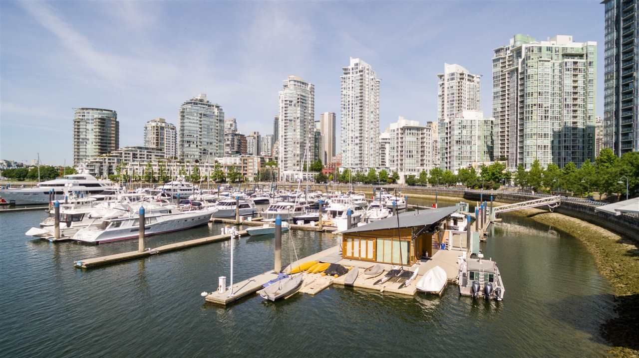 """Main Photo: 100 1088 MARINASIDE Crescent in Vancouver: Yaletown Land for sale in """"FALSE CREEK HARBOUR"""" (Vancouver West)  : MLS®# R2271066"""